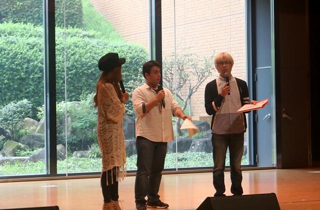 公開収録に応募した瀧本くん(食品生命科学科1年):写真中央