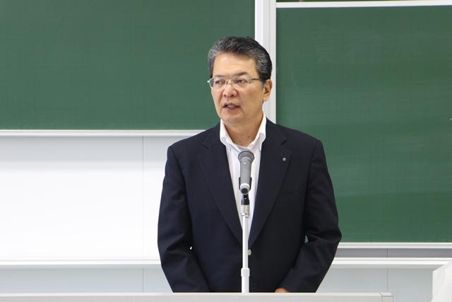 「メンバー全員で全力を尽くし、目標を達成してください」と鶴学長。