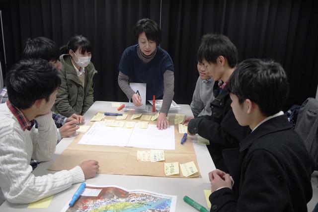今年2月に、地球環境学科の研究室が集まる21号館で開講された対策講座の様子。