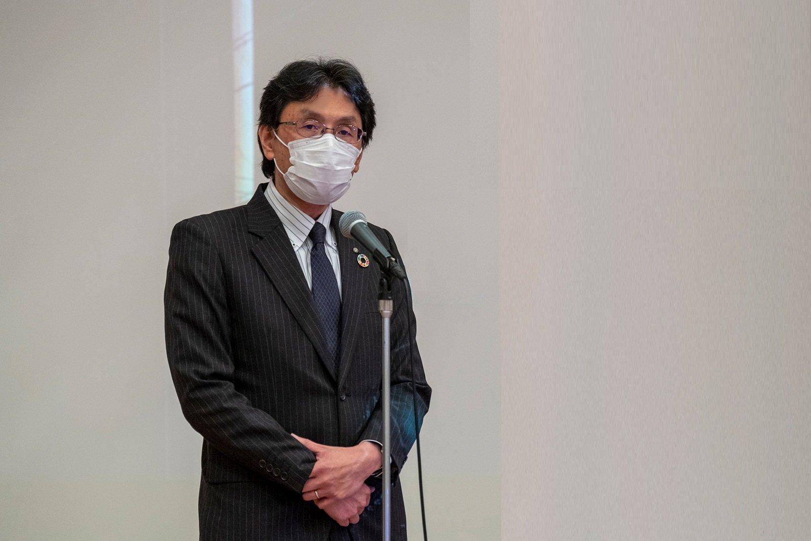 冒頭、本学長坂学長が「今回の講演会を、参加頂いた企業の皆様の、次のステップを考える題材としてください」と挨拶しました