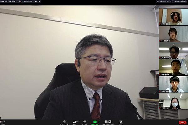 開催に先立ち、「リーダーシップとは自ら率先するために必要な能力で、社会人全員が習得しておくべき」と工学部長・久保川淳司教授が挨拶。