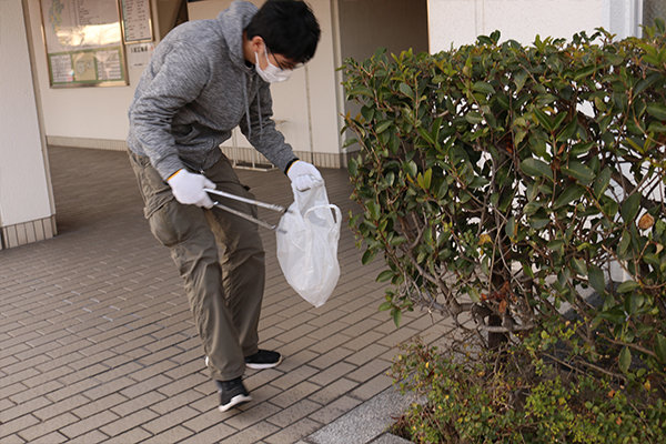 手袋やトング、ゴミ袋などは執行部が準備