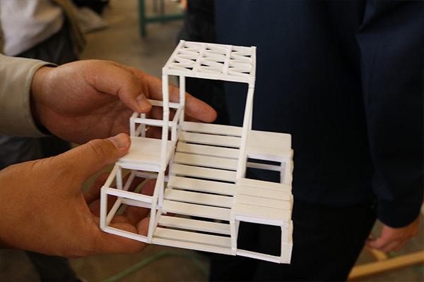 「ラフト・ベンチ」を考えた10班の模型