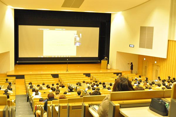 オンラインで開催された今年の「建築デザイン講演会2020」