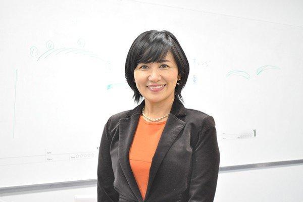 笑顔が素敵な講師の篠本さん