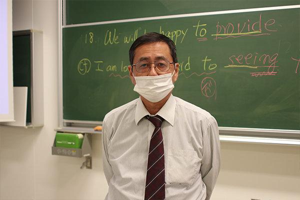対策講座を担当した環境土木工学科の堀部秀雄教授