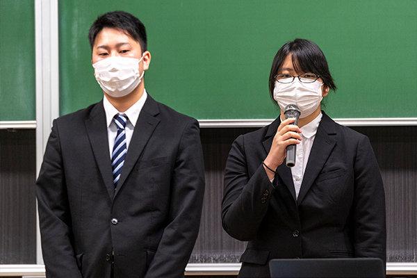 JA 尾道総合病院・尾道市立市民病院の2施設で実習した立田恵さん(右)