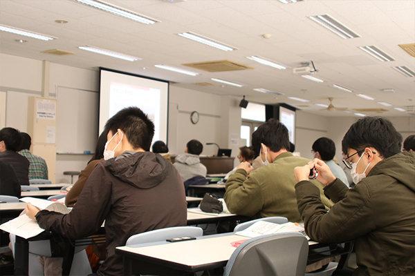 テキストは日本防災士機構が発行する防災士教本を使用