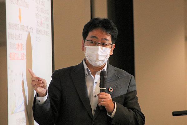 講義と演習を担当する地球環境学科 田中健路教授