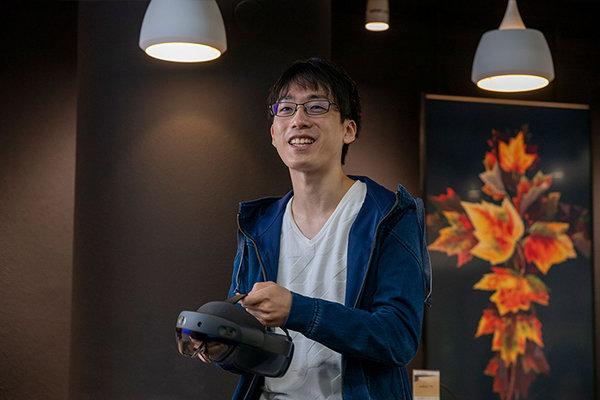 小村さん「アルゴリズムや言語などシステムを作る基礎は3年生までに学んでいるので、それほど苦労しませんでした」