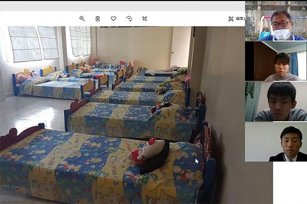 住込み型孤児院の様子。広々とした空間に1人に一つベッドが用意されています。