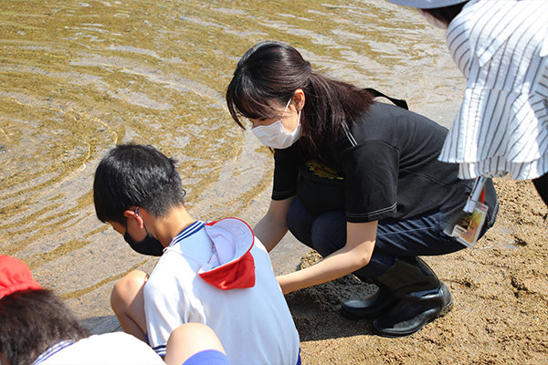 「シジミの放流がやりたくて、JCDセンターのプロジェクトに参加した」と話す樫山さん(大分県立別府翔青高等学校出身/大分県)