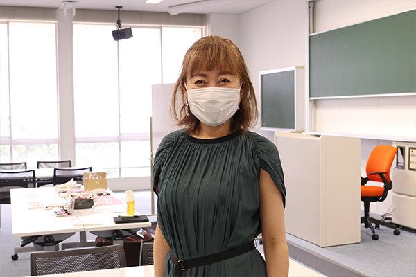 「メイクをすることで自信を持って就職活動に挑んでほしい」と坂井さん