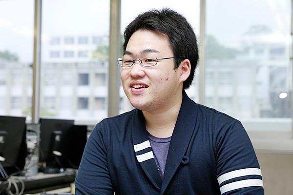 成田君「企業からすでに内定をいただいたのですが、面接では大学で学んだ知識を問われ、勉強してきたことが役に立ちました」