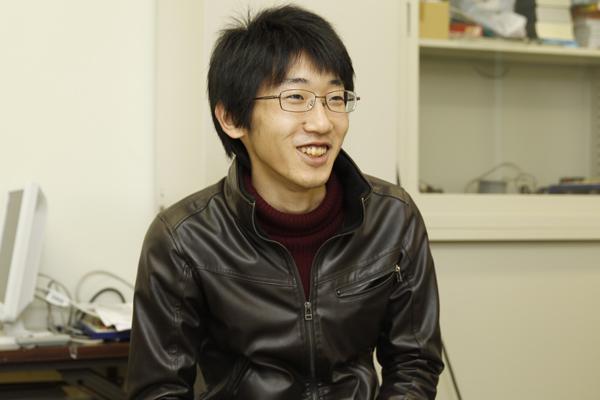 「就活にも慣れが必要です。面接も、最初は緊張しましたが、だんだん慣れてきました」と村岡君。