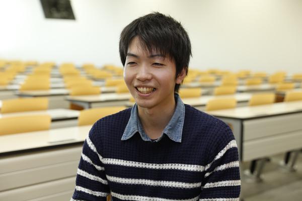 「学校に行く途中や、家でお風呂に入っているときに研究のことを考えることもあります。こつこつとした積み重ねが評価されたのだと思います」と和田君。