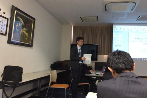 現状を解析するフィールドワークや、研究発表の場を大切にしている宋先生。