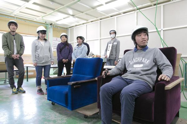 広島市中区の映画館「八丁座」「サロンシネマ」の椅子はマルニ木工製。その最高の座り心地を体感させてもらいました。