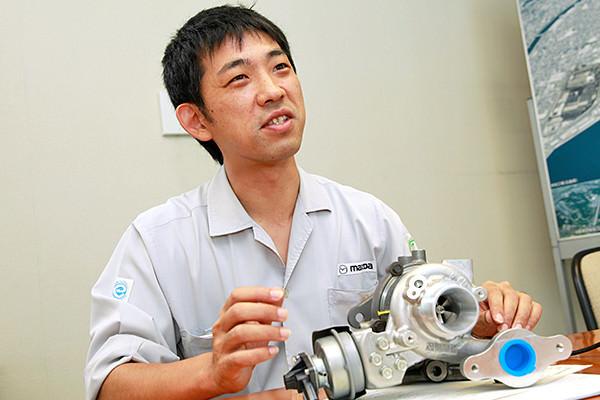 「学生時代に、電子工学の基礎を学んでいたことが役に立っています。設計部門の担当者と直接話をする際に、知識があるとより深い話をすることができます」と西田さん。