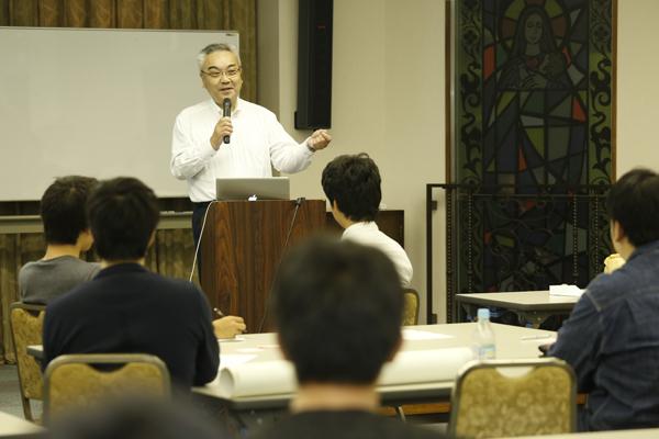 堤田さんは「チャンスに自ら積極的に飛び込んでいけば、必ず素晴らしいことが待っています」と語られました。経営者としての視点からのアドバイスは、これから社会に出る学生にとって、重みのある内容でした。