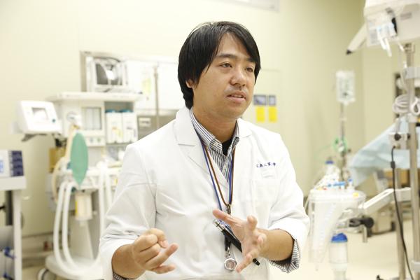 「生体医工学科の学生は、最新の設備の中で医療機器についての専門知識を身に付けつつ、医療従事者としての心構えから生理学まで、多くのカリキュラムを受講しています。最新の医療機器を使って実習できたことが、他大学の学生さんにもいい経験になってくれたのなら幸いです」と生体医工学科の服部先生。