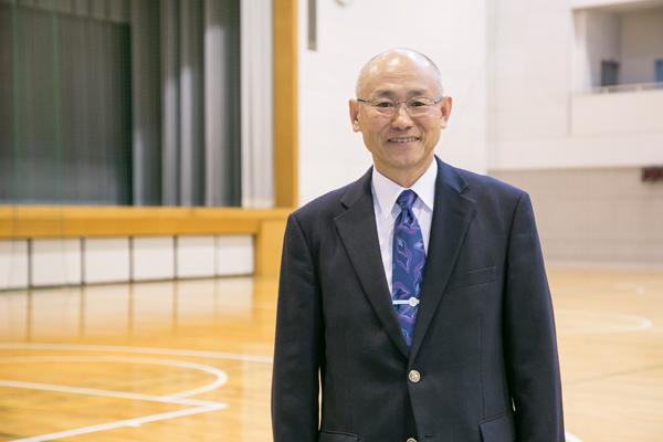 広島工業大学剣道部OBで、現在、剣道部の監督を務められている砂田真宏さん。「日頃の稽古の中で見えてくるものが必ずあります。それは、社会に出てから何かを決断する際に役に立つはずです」