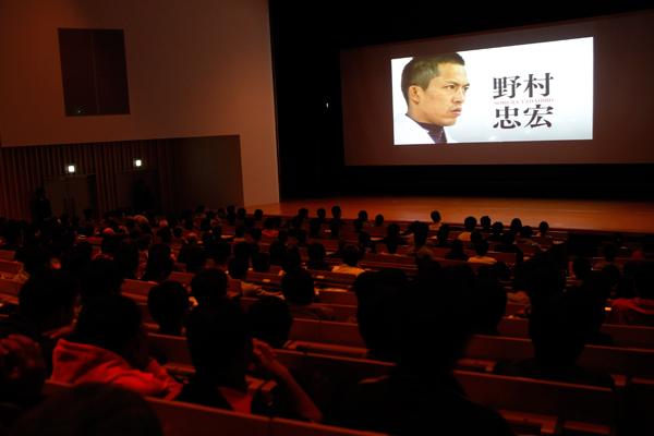 講演の前に、野村さんの柔道人生をまとめた動画が披露されました。