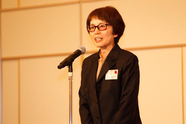 就職部長の福田 由美子先生から、今年度の就職内定状況について、また次年度の状況について説明がありました。