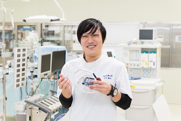 村戸さん(広島県立広島工業高校)「ものづくりの経験がある臨床工学技士は、実はほとんどいません。そんな中、ものづくりにも携わる、という工業系大学ならではの経験が積めるのは、大きな強みだと感じます」