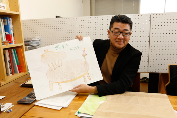 「想像していた以上に、バラエティ豊かなデザインが集まりました」と杉田先生。