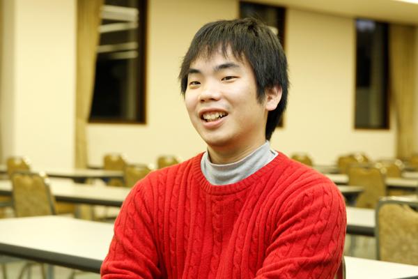 「3回のゼミナールを通じて、人と人とのつながりの大切さを感じました。卒業後も、OBとして関わっていきたいと考えています」と倉本君。