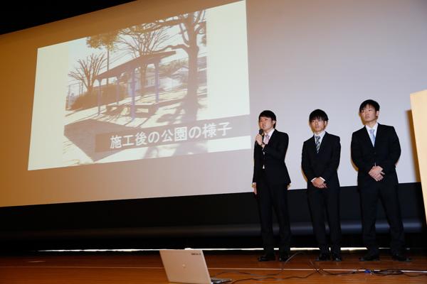 3月3日に行われた「平成28年(2016)度広島工業大学学生自主企画プログラム『HITチャレンジ制度』結果報告会」では、1位に選ばれ、表彰されました。