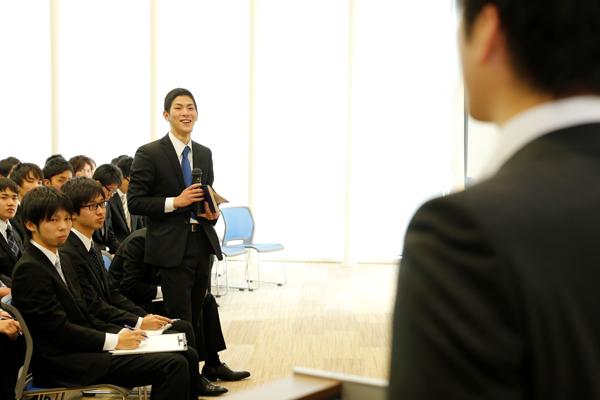4月から戸田建設株式会社で働くことになる後輩からの質問にも、快くお答えいただきました。