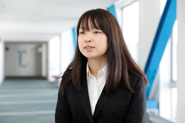「ゼミでともに勉強した友人は、大切な存在です。広島工業大学は、社会とつながる学びを教えてくれるところが、本当に助かりました」と太田さん。