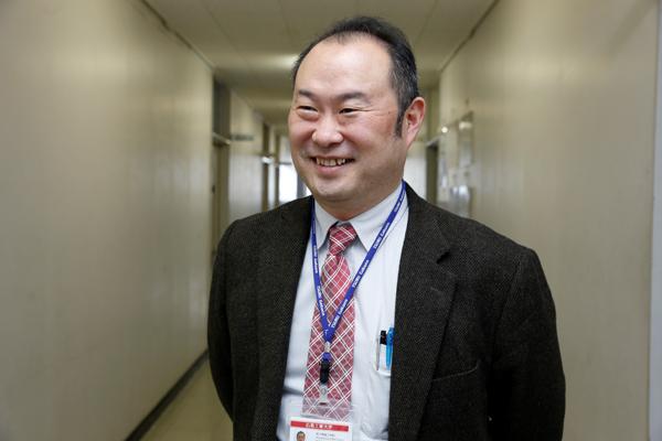 「今回は、(株)日立ハイテクフィールディング様から声を掛けていただき、インターンシップが実現しました。OBから生の声を聞き、働くこと体感しながら社会に貢献する未来を想像してほしいです」と豊田先生。