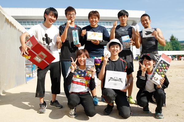 綱引きは山陽女子短大・近畿大・広工大の混合チームが優勝。広工大陸上部の2名が大健闘しました。