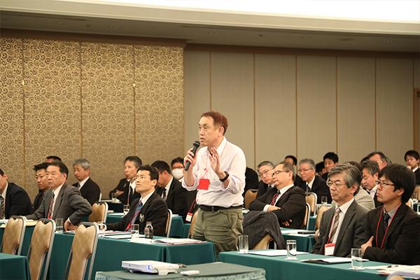 講演後は「モノづくりのマネジメントとは何か?」といった質疑応答が活発に行われました。