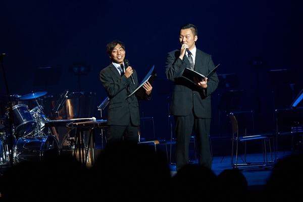 MCを務めるのは文化局メンバー。木村さん(左)と秦さんの掛け合いは絶妙