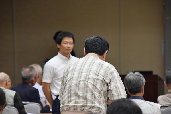 2講座とも活発な質疑応答が行われました。三浦先生と岡先生は、どんな質問にも真剣に耳を傾け、返答していました。