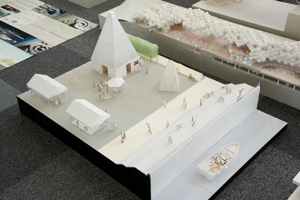 最優秀賞を受賞した「宇品海岸の公衆トイレ」。とんがった屋根の部分が街灯にもなるという斬新な発想が高く評価され、今では地域の新しいシンボルになっています。
