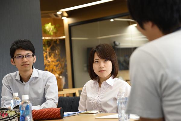 女子学生4名が加わったこのグループでは「広島本社は家族を持っている人が多いと聞き、女性でも働きやすそうだと感じた」「きれいなオフィスでやる気が出そう」という意見がありました。