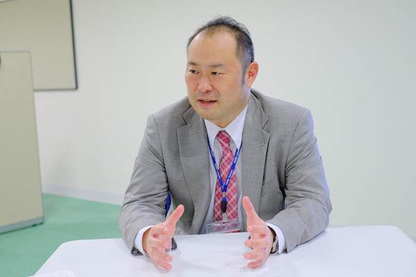 「自分の長所に磨きをかけてほしい」と豊田就職部長