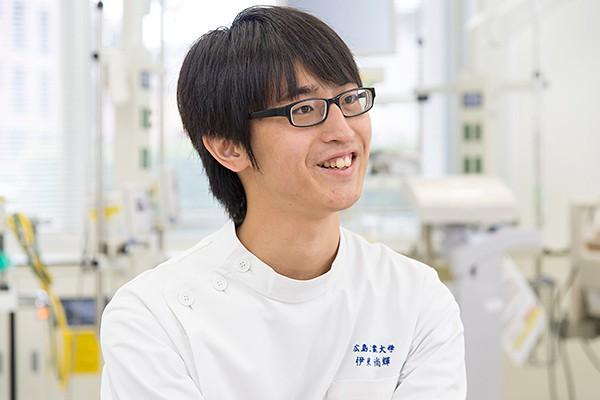 伊東君は高校時代に臨床工学技士の存在を知り、大分県から広島工業大学へ進学しました。