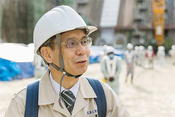 工学部・環境土木工学科/竹田先生「土木建設を理解するには、現場を見るのが一番です。工事の規模や従事する作業員の多さ、設備や重機の豊富さなどあらゆる点でインパクトがあり、どのように進められるのか、よくわかりますから」
