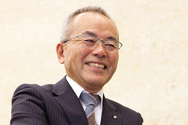 「クルマのかっこよさの陰には、計り知れないほどの努力があります。シンポジウムを通じて、そのことを地域のみなさんや若い人たちに伝えたかった」と語る内田先生。