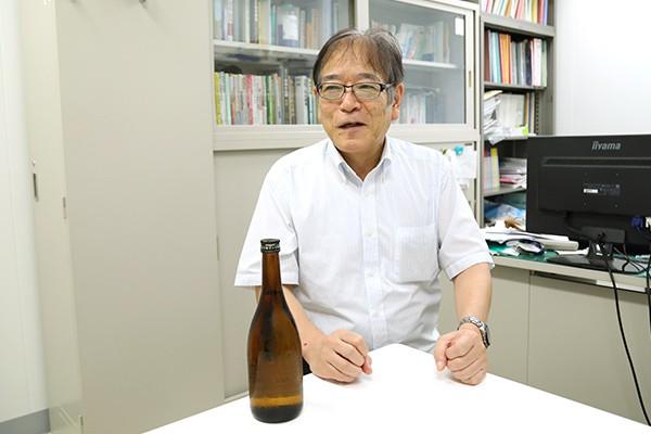 「原料米にもこだわり広島県産の千本錦を使いました。華やかな香りと後味のよさが特徴です」と土屋先生。