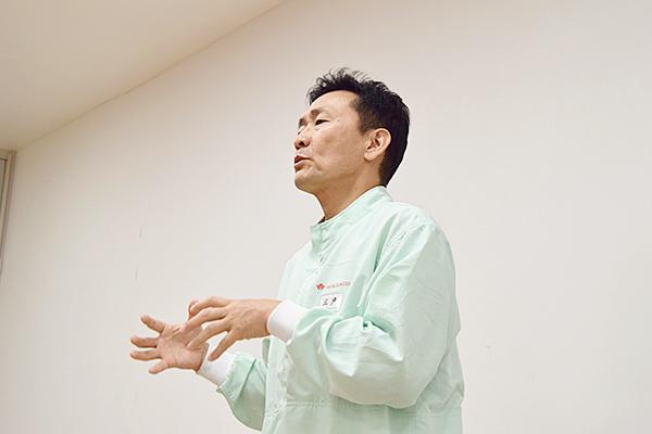「石窯の導入が石窯パンを生み出し、好評いただいています。独自の技術としてタカキベーカリーの強みになっています」と三戸さん。