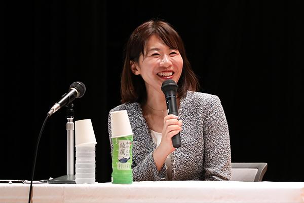 進行役の広島FMパーソナリティー広瀬桃子さんが軽快にトークを進めていきました。