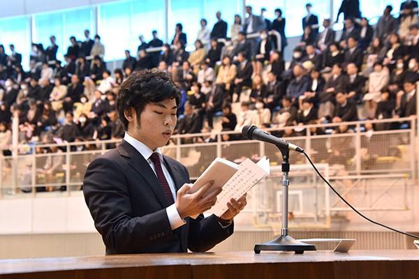 「大学で得た知識や経験、仲間は私の大きな財産です」と長濱さん。