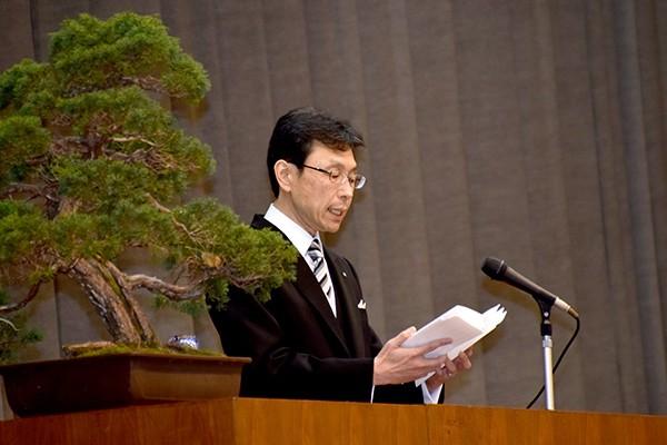 「失敗や挫折をすることがあると思います。しかし、その経験も人間力を高めることになります」と長坂学長。
